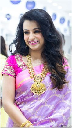 Trisha Krishnan Height Feet Weight 2018 Age Body Measurements Dress Shoe Waist Sizes - Entertainment World Indian Wedding Jewelry, Indian Bridal, Beautiful Saree, Beautiful Indian Actress, Beautiful Ladies, Trisha Saree, Indian Beauty Saree, Saree Blouse Designs, Sari Blouse