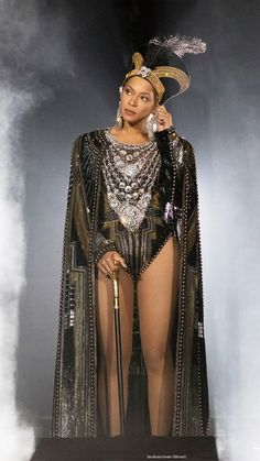 Beyonce at Coachella 2018 Beyonce Knowles Carter, Beyonce And Jay Z, 4 Beyonce, Balmain, Beyonce Pictures, Beyonce Coachella, Netflix, Beyonce Style, Queen B