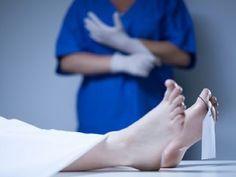 Patológovia skúmali pitvy obetí