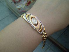 Fancy 18k gold rolex chain bracelet Gold Chain Design, Gold Ring Designs, Diamond Bangle, Diamond Jewellery, 18k Gold Jewelry, Jewelery, Bangle Bracelets, Bangles, Gold Rolex