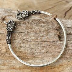 Novica Handcrafted Sterling Silver 'Cheerful Elephant' Bracelet