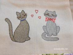 Lavanda e Lillà: Gattini e Guardiane di Oche su Asciugapiatti