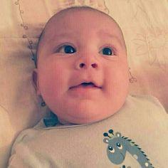 Es importante captar sus #sonrisas aun las mas pequeñas, como esta de #Neythan a sus #4meses. #expresionesdebebe