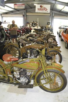 Harley Davidson History, Classic Harley Davidson, Motos Harley, Harley Davidson Motorcycles, Indian Motorcycles, Vintage Motorcycles, Motorcycle Museum, Anzac Day, Pickle