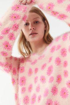 76fb54971e59 UO Keeley Eyelash Knit Pullover Sweater