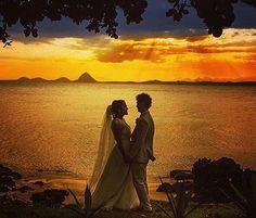 Porque não há quem resista a um retrato ao pôr-do-sol!  Dica do @bloglifetogether! . Foto de @uelitonsantos  #prontaparaosim #