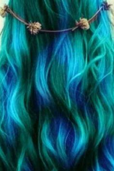 Tousled turquoise hair