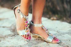 DIY SANDALIAS JOYA  Blusa hombros al aire tropical shorts sandalias DIY Crimenes de la Moda