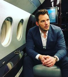 """Chris Pratt: Anna Faris was okay with Jennifer Lawrence sex scene. Chris Pratt says his wife Anna Faris was comfortable with his """"Passengers"""" sex scene with Jennifer Lawrence. Jurassic World, Jurassic Park, Katherine Schwarzenegger, Anna Faris, Peter Quill, The Late Late Show, Press Tour, Chris Pine, Star Lord"""
