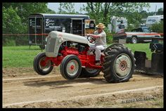 Antique Farm Tractor Pull | Ford 8N tractor pull - a photo on Flickriver