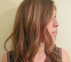 How To Guide: Chalking - fun, temporary hair color streaks #haircolor