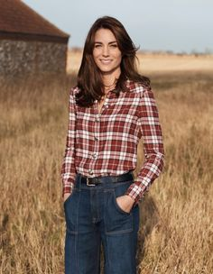 HRH The Duchess of Cambridge by Josh Olins for Vogue UK June 2016 Centenary issue - Burberry shirt, 7 For All Mankind jeans