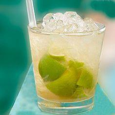 Caipirinha. Bebida Mojito, Punch Bowls, Glass Of Milk, Cantaloupe, Pudding, Baking, Fruit, Drinks, Desserts