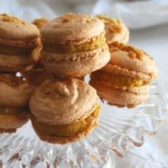 Macarons au caramel et fleur de sel - Elle à table