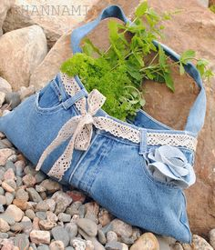 Vanhoista farkuista laukku.Bag from old jeans. Recycling upcycling kierrätys sewing ompelu