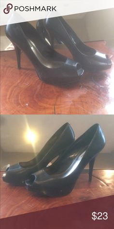 Steve Madden heels Beautiful open toed Black Steve Madden Shoes. Very gently used! Size 9. Very comfortable for the height. Always in style. Everyone should have a pair of these shoes. Steve Madden Shoes Heels