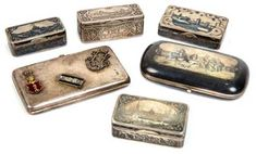 Lot: A GROUP OF SIX ANTIQUE RUSSIAN SILVER SNUFF BOXES AND CIGARETTE CASES. VARIOUS MASTERS INCLUDING GUSTAV KLINGERT (19TH- EARLY 20TH CENTURY)