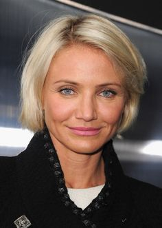 Cortes de pelo corto para las mujeres mayores de 40 años. Las mujeres mayores de 40 años deben ser capaces de usar peinados que ellos quier...