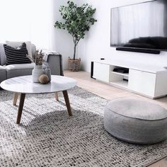 Simple Style Co: Skandi Felted Wool Rug - Grey- One of our absolute favourite living spaces belongs Interiors By Meg Caris.interiors, we just can't get enough of those relaxed, cozy vibes 🖤 Featuring… Modern Contemporary Living Room, Living Room Modern, Living Room Designs, Living Spaces, Living Room Grey, Home Living Room, Living Room Decor, Bedroom Decor, Living Room Colors