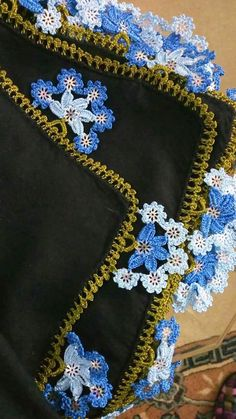 125 Sharp Crochet Embroidery Writing Best Lace All In One Beautiful Crochet Lace Flower Crochet Lace Edging, Crochet Borders, Crochet Flowers, Knit Crochet, Hand Embroidery Designs, Embroidery Stitches, Baby Knitting Patterns, Crochet Patterns, Saree Kuchu Designs