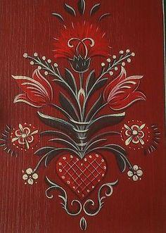 A héten kulcstartó szekrényt festettem ....       Kulcstartó szekrény, madaras ,tulipános mintával festve   A szekrény közepén szívből kiind... Folk Art Flowers, Flower Art, Rosemaling Pattern, Norwegian Rosemaling, Scandinavian Folk Art, Feather Art, Decoupage Vintage, Tole Painting, Folklore
