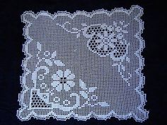 This Pin was discovered by Hac Crochet Tablecloth Pattern, Crochet Doily Diagram, Crochet Doilies, Crochet Lace, Doily Patterns, Knitting Patterns, Crochet Patterns, Crochet Blocks, Crochet Squares