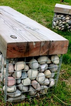 55 Best Gabion Wall Stone & Fences That Will Decorate Your Beautiful Landscape Area - Decor Units Garden Seating, Outdoor Seating, Outdoor Dining, Outdoor Projects, Garden Projects, Outdoor Ideas, Back Gardens, Outdoor Gardens, Gabion Baskets