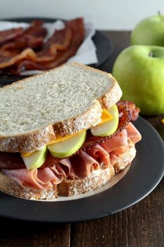 These Harvest Apple, Bacon and Cheddar Ham Sandwiches are perfect for quick lunches in the fall.