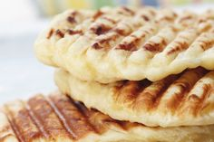 Naan, Apple Pie, Waffles, Cookies, Breakfast, Desserts, Food, Crack Crackers, Morning Coffee
