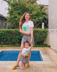 Ahhhhh não faz isso com meu coração @amaro 💖😱 A marca criou uma coleção exclusiva para crianças especialmente para o Dia das Mães! Eu… Crazy Mom, Lily Pulitzer, Pregnancy, Parents, Baby, Dresses, Humor, Instagram, Fashion