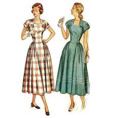 1940s Summer Dress Pattern Simplicity 2598406 B36 by willynillyart