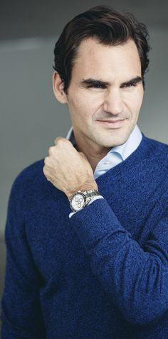 Roger Federer wearing the 904L steel Cosmograph Daytona.