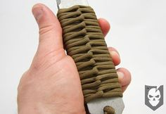 How to wrap a paracord knife handle