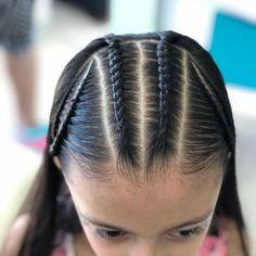 La imagen puede contener: una o varias personas y primer plano Natural Hairstyles For Kids, Cute Hairstyles, Braided Hairstyles, Natural Hair Styles, Short Hair Styles, Braid Styles For Girls, Girls Hairdos, Just Girl Things, Hair Hacks