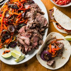 For such a popular dish, fajitas have been treated terribly in Tex-Mex restaurants.We set out to bring them back to glory. Grilled Skirt Steak, Grilled Beef, Steak Fajitas, Beef Recipes, Mexican Food Recipes, Ethnic Recipes, Grilled Recipes, Mexican Meals, Yummy Recipes