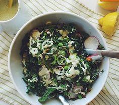 Spring salad reboot with hulled hemp seed dressing. #ontheblognow #hempseeds #mmmveggies