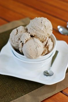 The Kitchen is My Playground: Easy 3-Ingredient Chocolate Ice Cream {no machine needed}