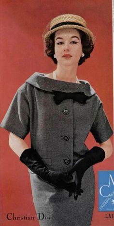 1957 Dior Vintage Dior, Christian Dior Vintage, Vintage Vogue, Vintage Dresses, Vintage Outfits, Vintage Glamour, Vintage Clothing, Fifties Fashion, Retro Fashion