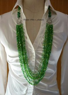 Idea on how to make multistrands less bulky around the neck Pearl Necklace, Beaded Necklace, Jewelry Necklaces, How To Make, Clothes, Fashion, Jewels, Craft, String Of Pearls