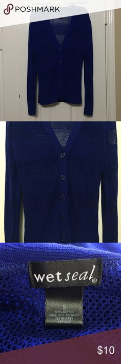 Long sleeve Top Wet Seal top size small. Any questions please ask. Wet Seal Tops