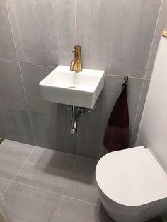 lille-badeværelse-københavn-badmodul-00188 Apartment Interior Design, Apartment Ideas, House Design, Bathroom, House Styles, Home Decor, Houses, Fashion, Modern