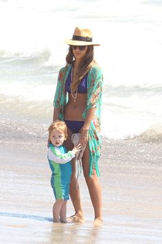 Jessica Alba i need to look like this at the beach :)
