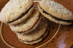 Mennonite Girls Can Cook: Oatmeal Date Sandwich Cookies Date Recipes, Amish Recipes, Baking Recipes, Cookie Recipes, Dessert Recipes, German Recipes, Baking Desserts, Sweet Desserts, Dessert Bars