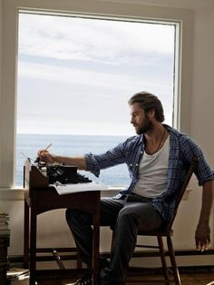 Good heavens, Scott Speedman. Why you gotta look so good....I mean, I'm glad you do, but WOW.