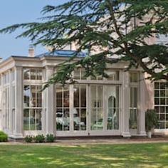 Orangery with bi-fold doors classic style conservatory by vale garden houses classic Sunroom Windows, House Windows, Garden Architecture, Architecture Design, Orangery Extension Kitchen, Pool House Plans, Sunroom Furniture, Sunroom Decorating, House Extension Design