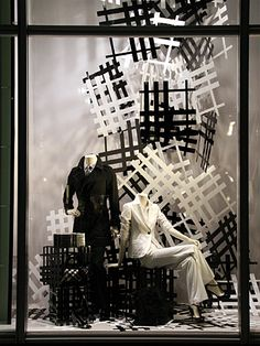 BURBERRY - Vidrieras de Tokyo Black and white- texture through simplicity