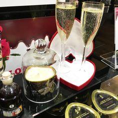 Dans une semaine c'est la St Valentin ! Vous avez prévu des petites choses ou cette fête est commerciale pour vous ?  Il y aura quelques articles cette semaine sur le blog pour cet fête #saintvalentin #amour #stvalentin #love  Photo prise lors de mon passage à la boutique #passagedudesir à #paris