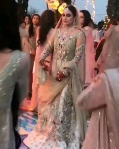 Asian Wedding Dress Pakistani, Wedding Dance Songs, Wedding Dancing, Velvet Dress Designs, Elegant Summer Dresses, Indian Wedding Couple Photography, Indian Bridal Fashion, Bride Hairstyles, Latest Hairstyles