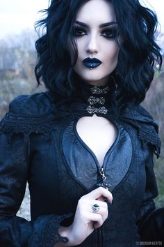 New fashion photography dark gothic beauty ideas Dark Beauty, Goth Beauty, Beauty Makeup, Dark Gothic, Steam Punk, Chica Cool, Gothic Models, Gothic Makeup, Gothic Hair