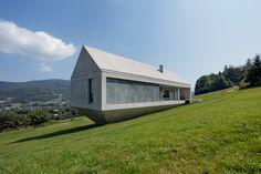 XS House / UNI | House on